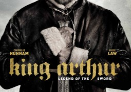 پوستر جدید فیلم شاه آرتور – افسانه شمشیر رونمایی شد